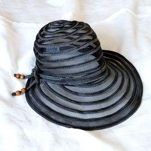 Black gray striped mesh Cruise Club visor sun hat
